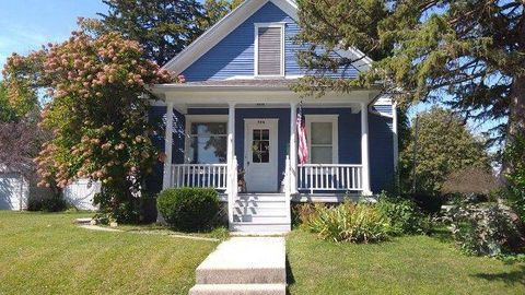 Photo of 524 N B St, Monmouth, IL 61462