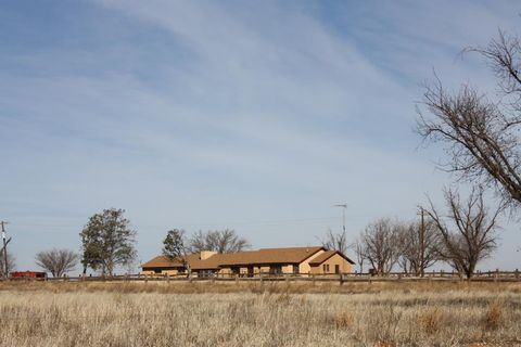 Photo of 1016 E County Rd, Lamesa, TX 79331