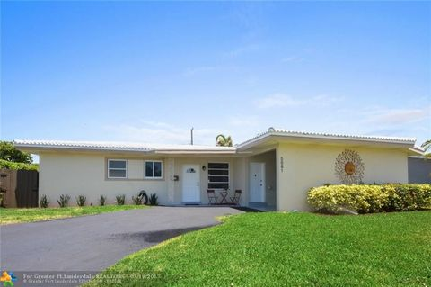 5861 Ne 21st Dr  Fort Lauderdale  FL 33308Imperial Point  Fort Lauderdale  FL 2 Bedroom Homes for Sale  . 2 Bedroom Homes For Rent In Fort Lauderdale. Home Design Ideas