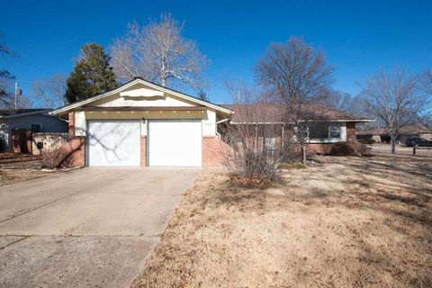 9100 W Hickory Ln, Wichita, KS 67212