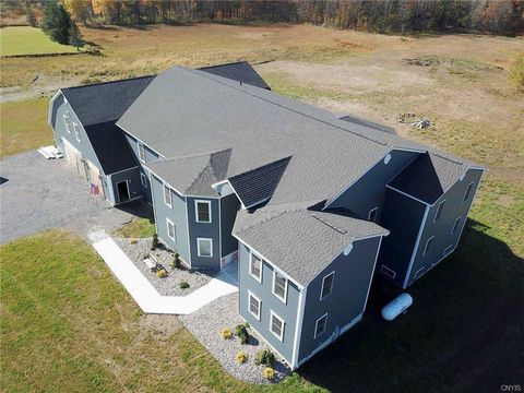 Photo of 6733 Fox Rd, Marcy, NY 13403
