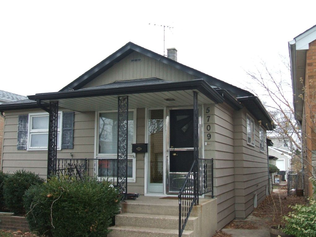 5709 N Mobile Ave Chicago, IL 60646