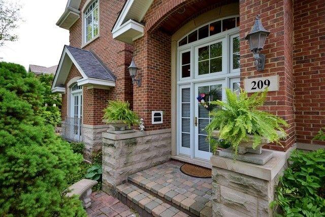 209 S Home Ave Park Ridge IL 60068
