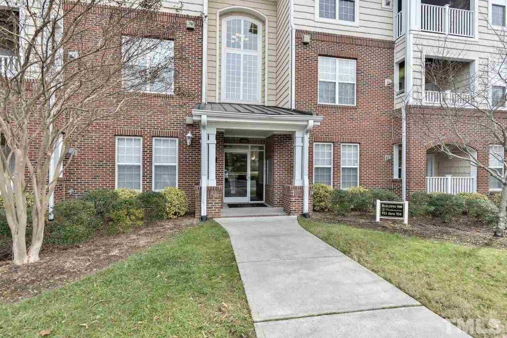 934 Providence Glen Dr, Chapel Hill, NC 27514