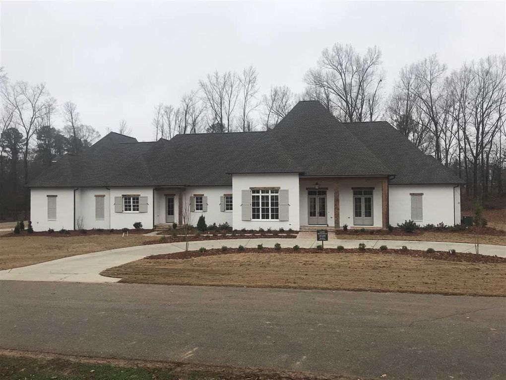 Excellent 201 Hidden Creek Cir Ridgeland Ms 39157 Home Interior And Landscaping Ologienasavecom