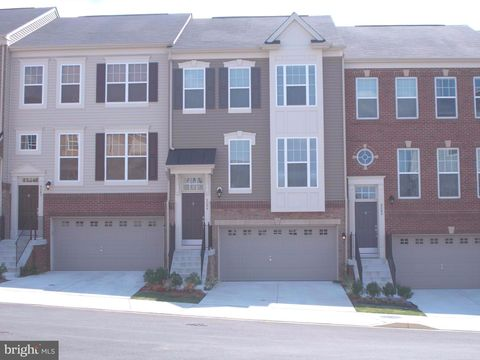 Photo of 9044 Christopher Ln, Manassas Park, VA 20111