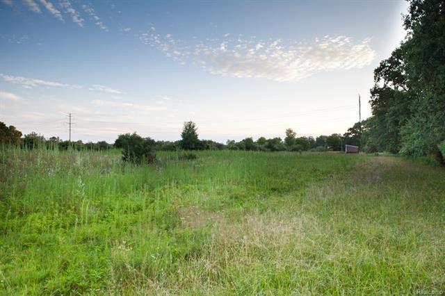 Edgewood, Groveland Township, MI 48462