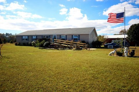 32098 Seaside Rd, Melfa, VA 23410