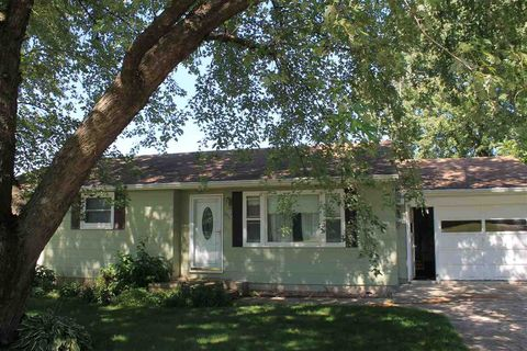 Photo of 505 W Maple St, Calmar, IA 52132