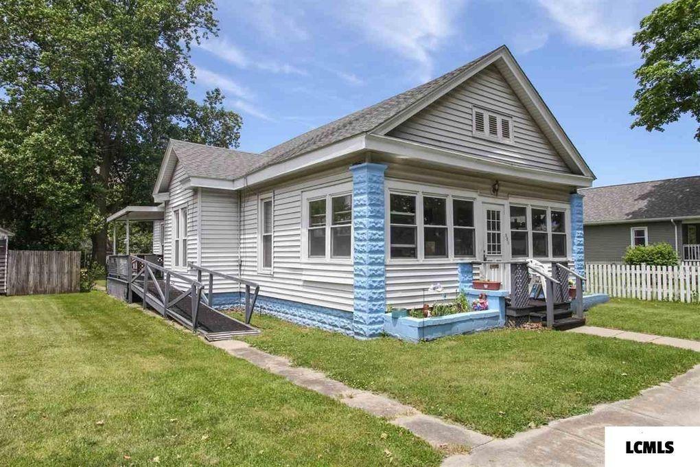305 N Bogardus St Elkhart, IL 62634