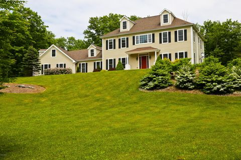 Photo of 10 Westwood Dr, Alford, MA 01230