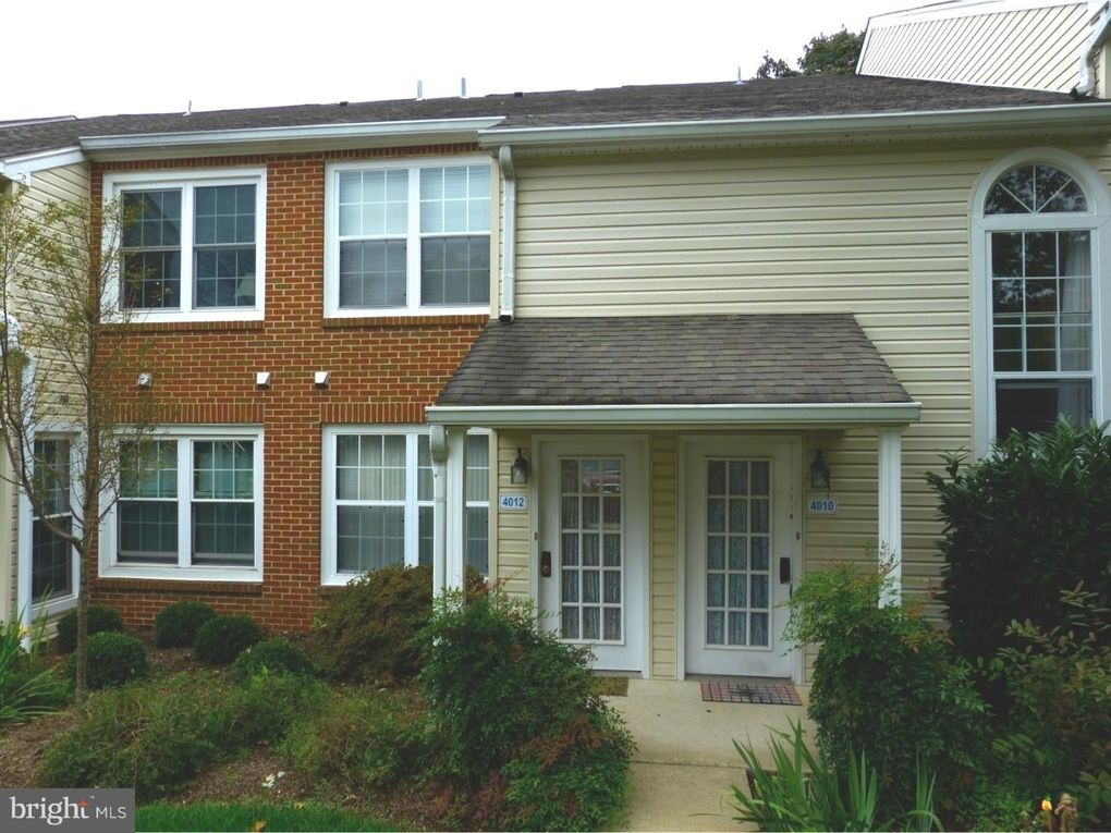 4012 Beacon Hill Dr, Holland, PA 18966