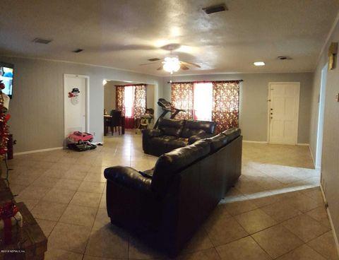 Photo of 7916 Mendoza Dr, Jacksonville, FL 32217