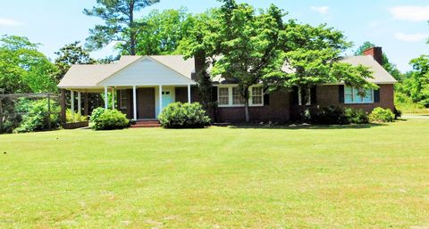 Photo of 17700 Aberdeen Rd, Laurinburg, NC 28352