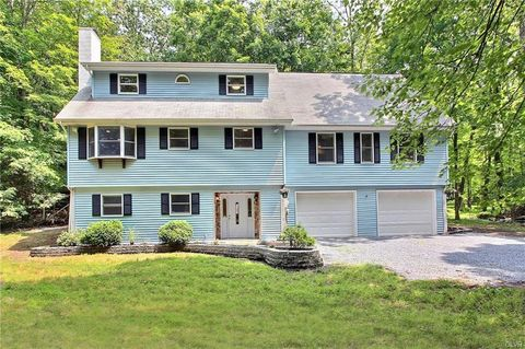 Fabulous Pocono Manor Pa 5 Bedroom Homes For Sale Realtor Com Download Free Architecture Designs Viewormadebymaigaardcom