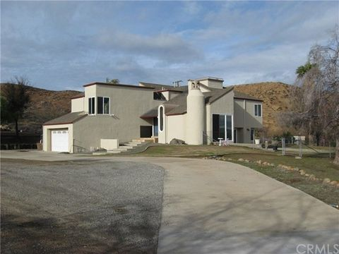 16285 Rocky Glen Rd, Lake Mathews, CA 92570