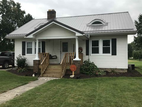 409 E Waterford St, Wakarusa, IN 46573
