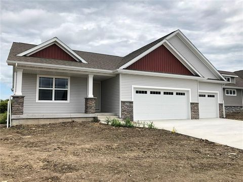Photo of 629 Mallard Pointe Dr Nw, Bondurant, IA 50035