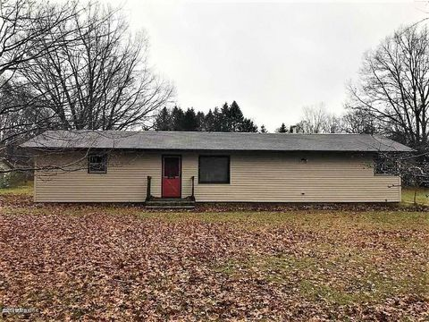 Photo of 5115 Anderson Rd, Montague, MI 49437