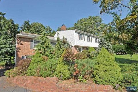 65 Heights Rd, Wayne, NJ 07470
