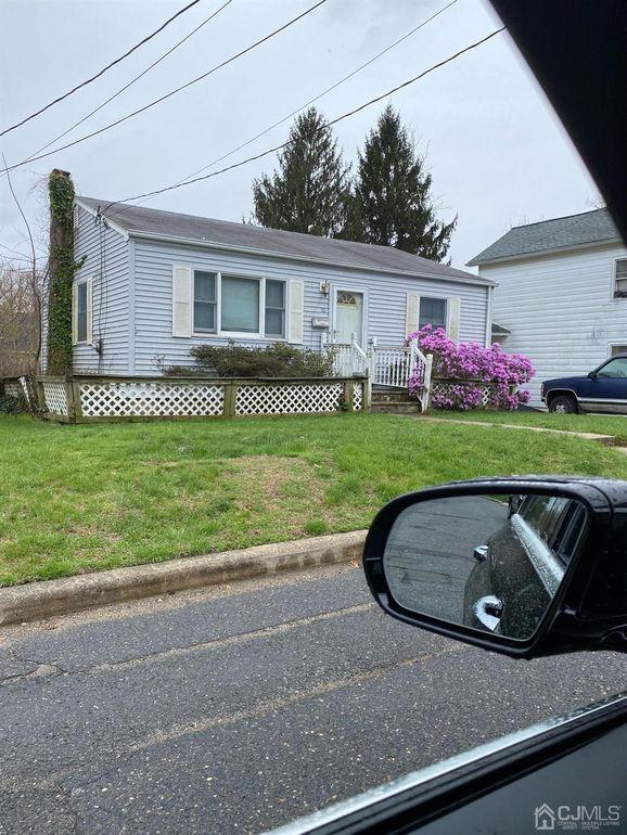 10 Thomas Pl Sayreville, NJ 08859