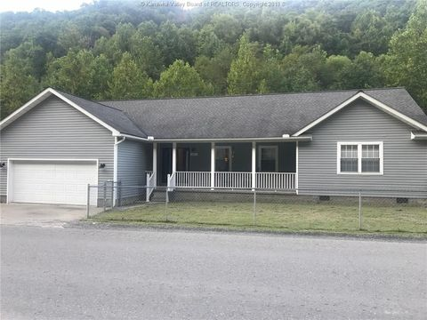 537 Accoville Hollow Rd, Accoville, WV 25606
