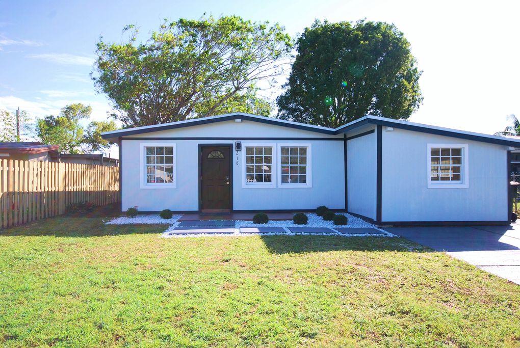 218 Glouchester St, Boca Raton, FL 33487