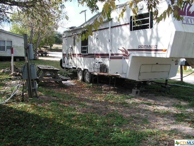 114 N Gbrv Loop Unit Spot1, Canyon Lake, TX 78133