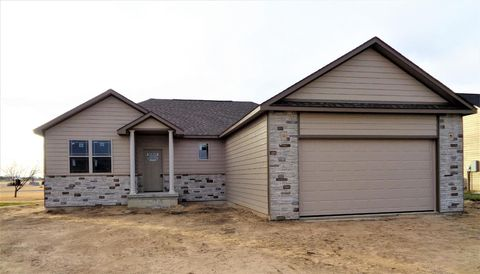 Photo of 2301 Prairie Rose Dr, Great Bend, KS 67530