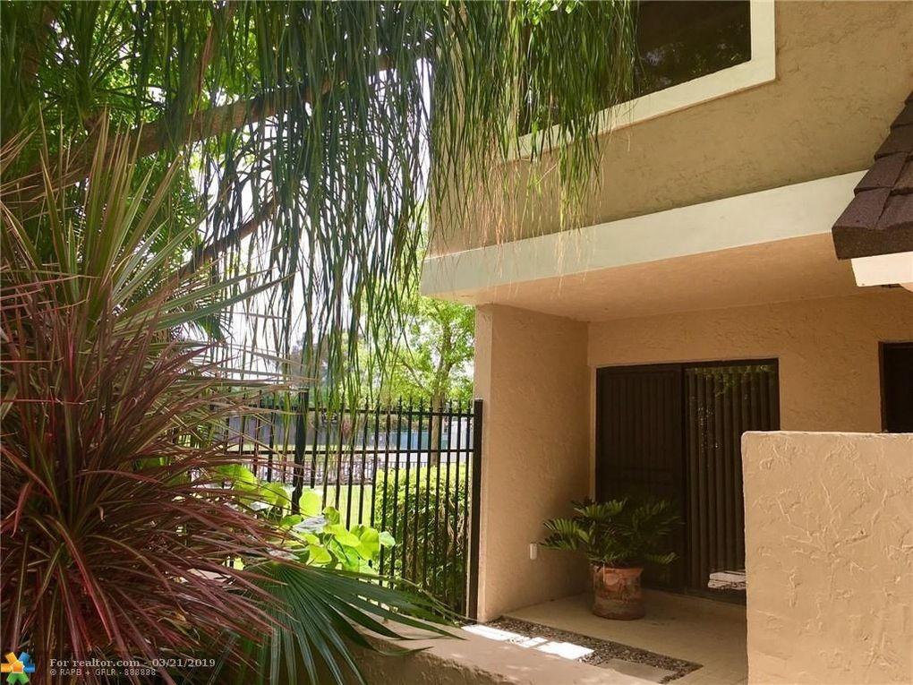 5638 Santiago Cir, Boca Raton, FL 33433