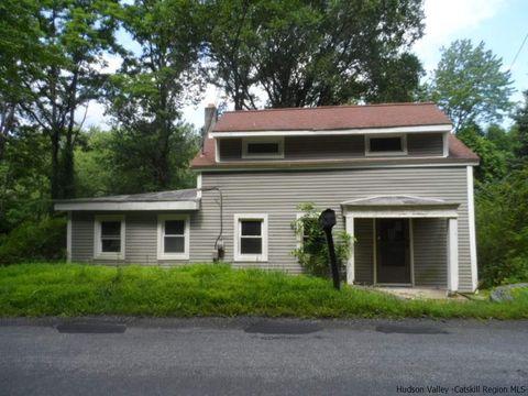 457 N Elting Corners Rd, Highland, NY 12528