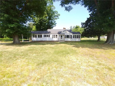 Photo of 9023 Nc Highway 65, Stokesdale, NC 27357