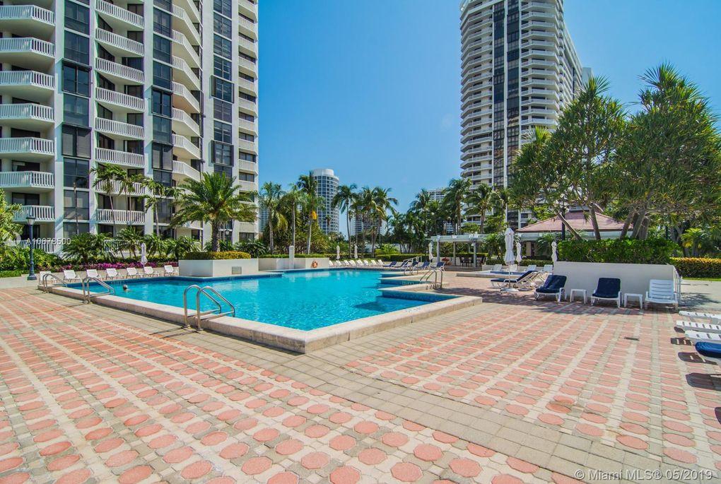 1000 W Island Blvd Apt 3010, Aventura, FL 33160