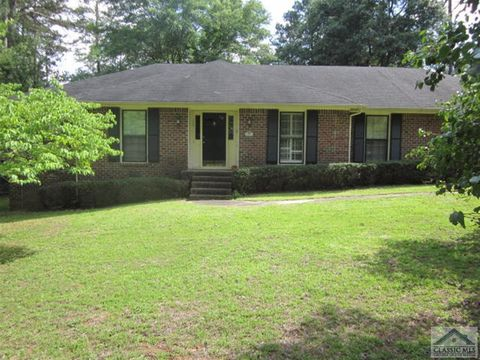 Photo of 125 Regent Ct, Bogart, GA 30622