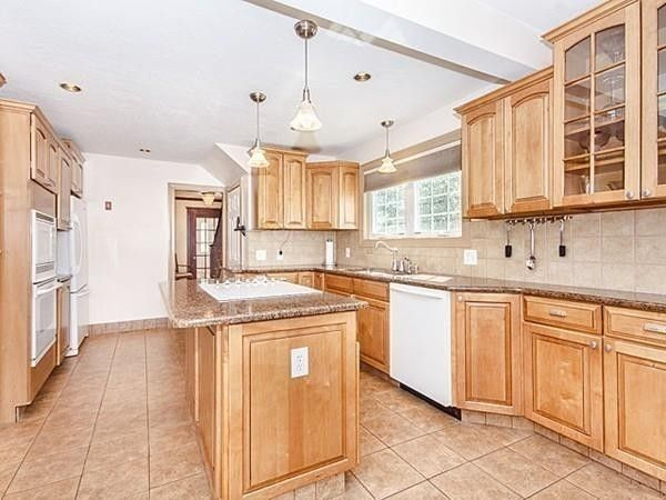 Kitchen Cabinets Quincy Ma 109 sonoma rd, quincy, ma 02171 - realtor®