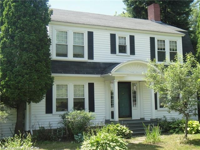 64 barton st presque isle me 04769 for Maine real estate zillow