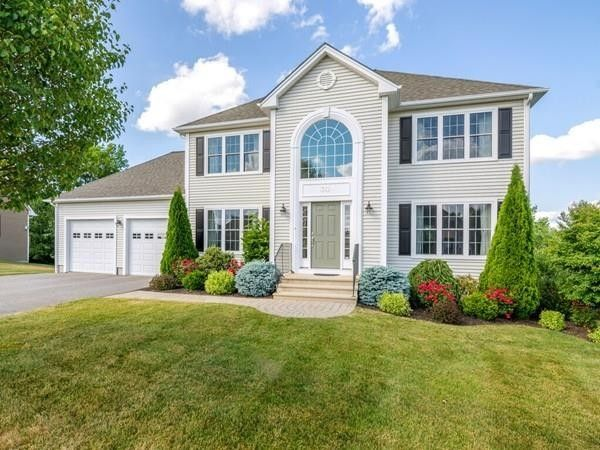 30 Vista Cir Holden, MA 01520