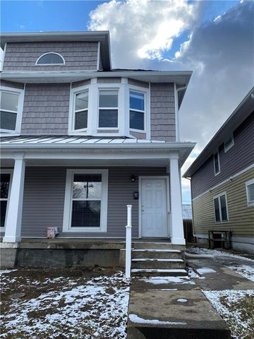 Photo of 1429 E New York St, Indianapolis, IN 46201