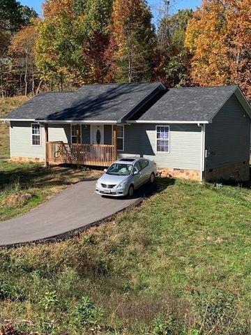 Photo of 905 Red Oak Ln, Dandridge, TN 37725