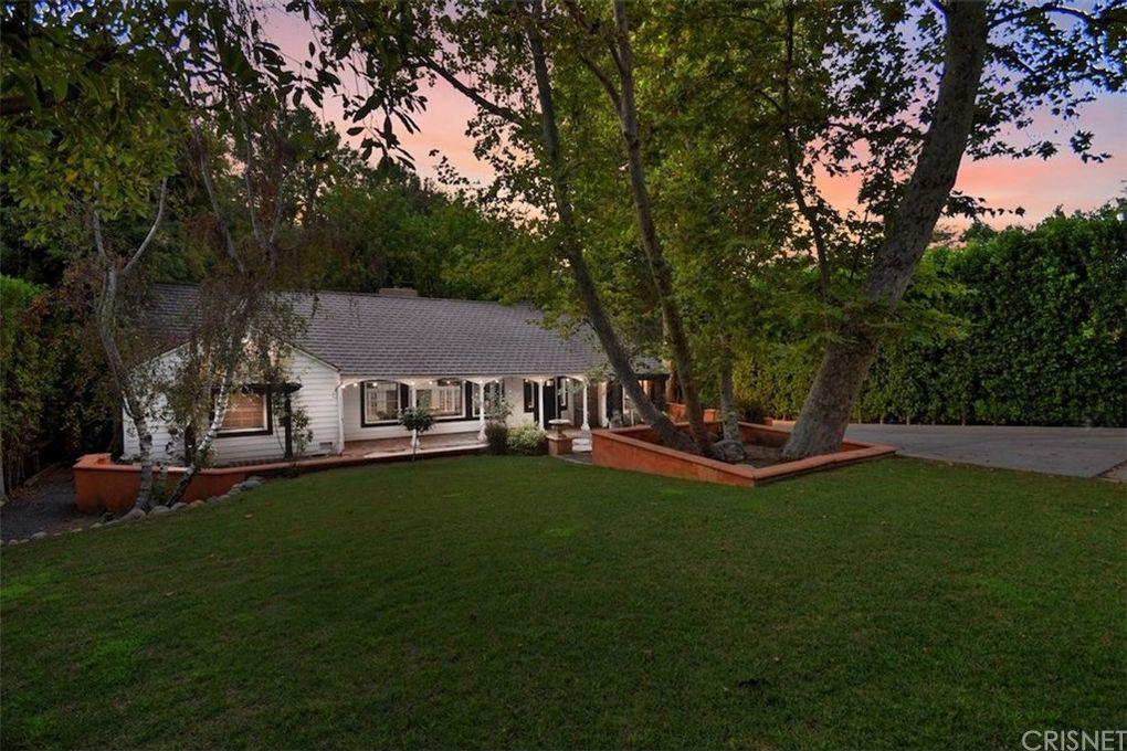 15531 Del Gado Dr, Sherman Oaks, CA 91403