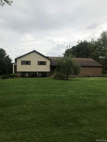 Photo of 190 S Coats Rd, Oxford Township, MI 48371