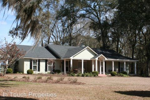 Photo of 5372 Griffin Dr, Hahira, GA 31632