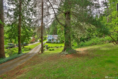 Photo of 18749 23rd Ave Ne, Lake Forest Park, WA 98155