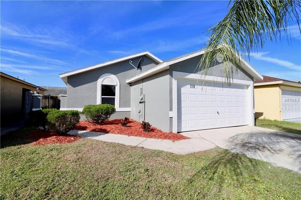 1058 Florida Holly Dr Orlando, FL 32811