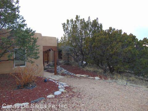 Photo of 10 Sandia Ln, Santa Fe, NM 87508
