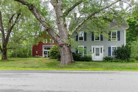 956 Old Concord Rd, Henniker, NH 03242