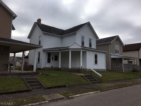 218 Mc Cook Ave, Dennison, OH 44621