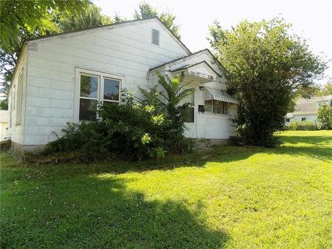 817 N MT Olive St, Siloam Springs, AR 72761