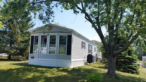 147 Overlook Dr, Greenville, NH 03048