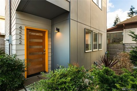 4222 Linden Ave N, Seattle, WA 98103